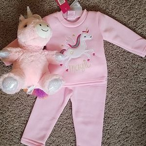 Baby girl unicorn outfit with unicorn stuffie
